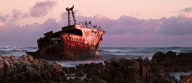 Famous Shipwrecks of the Cape