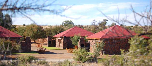 THE VALE KAROO FARM, BEAUFORT WEST (30km)